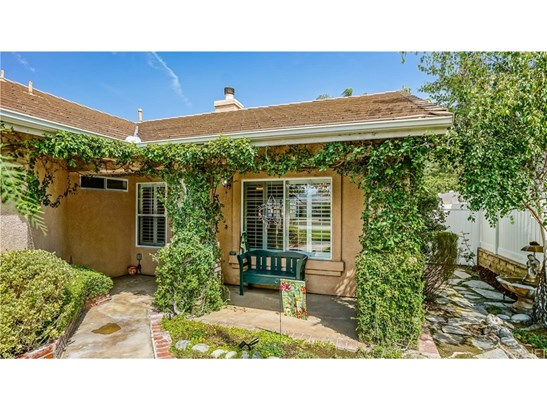 19734 Skyview Court, Canyon Country, CA - USA (photo 3)