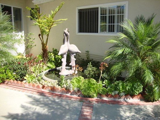 20715 Dolorosa Street, Woodland Hills, CA - USA (photo 2)