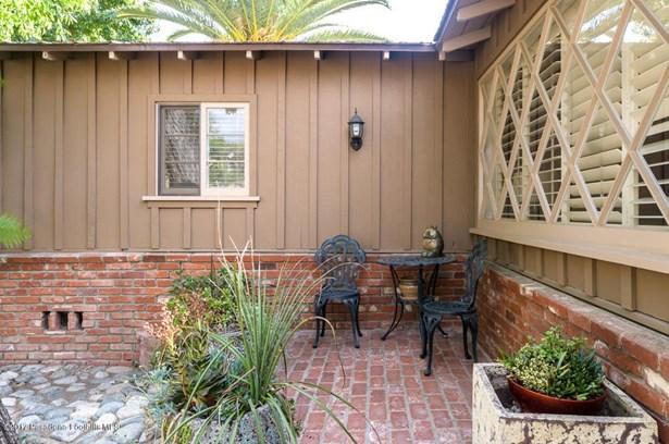 10255 Johanna Avenue, Sunland, CA - USA (photo 4)