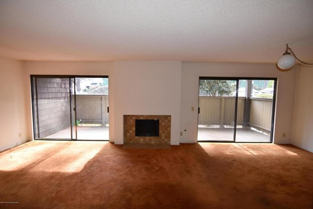 2504 East Willow Street 101, Signal Hill, CA - USA (photo 2)
