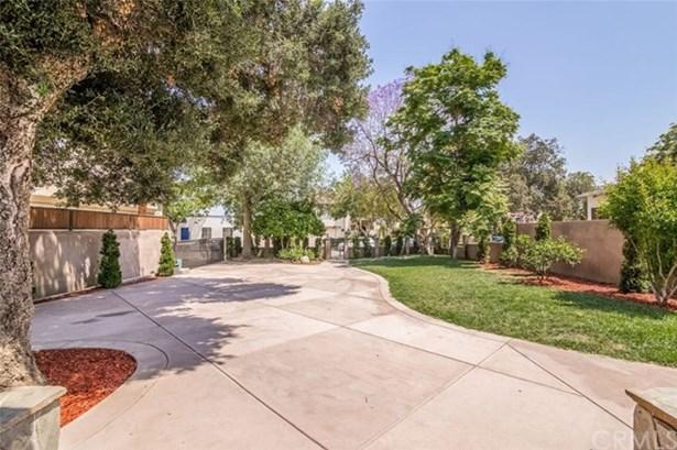313 W Elmwood Avenue, Burbank, CA - USA (photo 4)