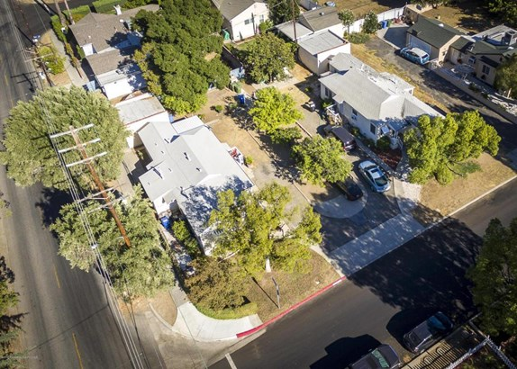 10250 Scoville Avenue, Sunland, CA - USA (photo 1)