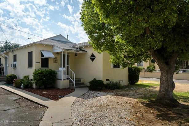 10250 Scoville Avenue, Sunland, CA - USA (photo 2)
