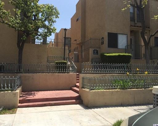 10260 Plainview Avenue 43, Tujunga, CA - USA (photo 2)