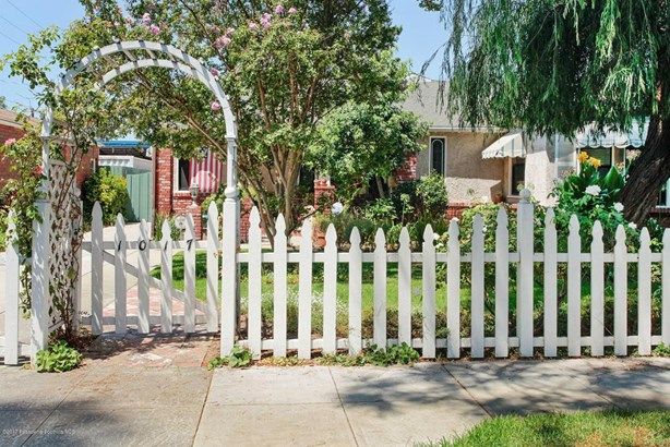 1017 North Frederic Street, Burbank, CA - USA (photo 3)