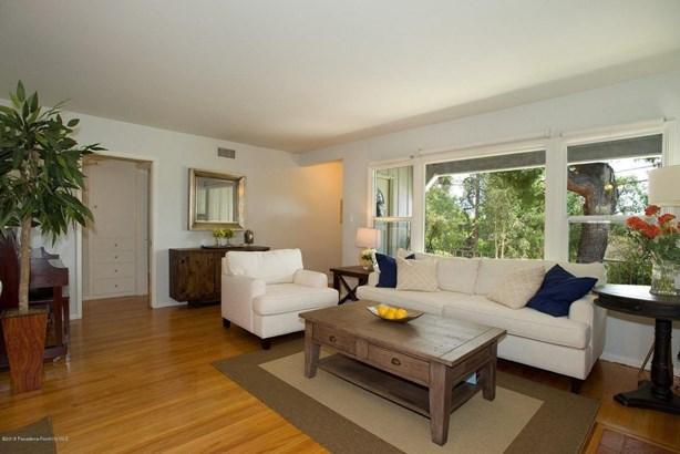 2849 Henrietta Avenue, La Crescenta, CA - USA (photo 2)