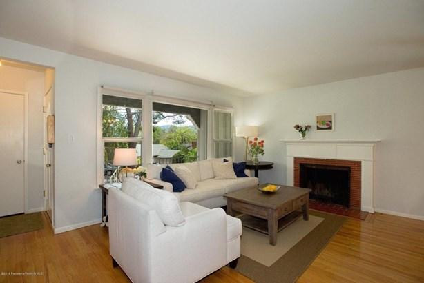 2849 Henrietta Avenue, La Crescenta, CA - USA (photo 3)