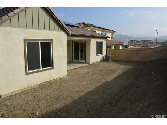 25217 Golden Maple Drive, Canyon Country, CA - USA (photo 2)