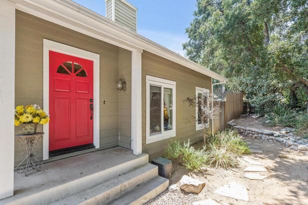 8016 Cora Street, Sunland, CA - USA (photo 4)