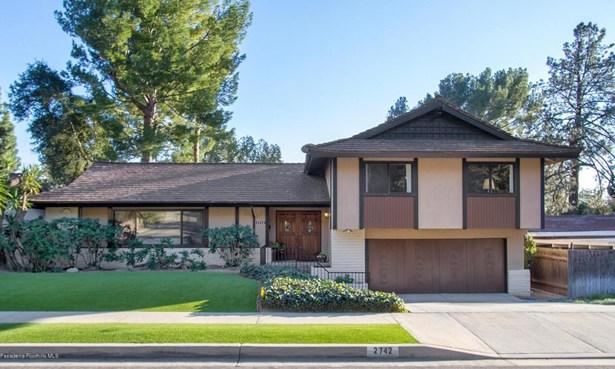 2742 Mountain  Pine Drive, La Crescenta, CA - USA (photo 1)