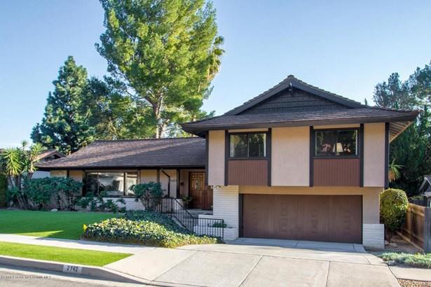 2742 Mountain  Pine Drive, La Crescenta, CA - USA (photo 2)