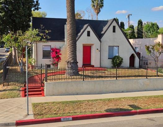 10861 Hesby Street, North Hollywood, CA - USA (photo 1)