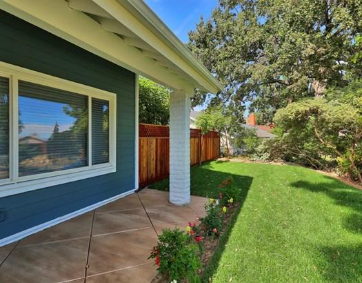 8445 Melba Avenue, Canoga Park, CA - USA (photo 3)
