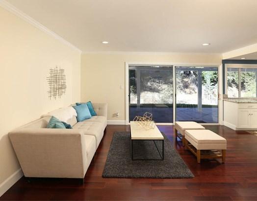8445 Melba Avenue, Canoga Park, CA - USA (photo 5)