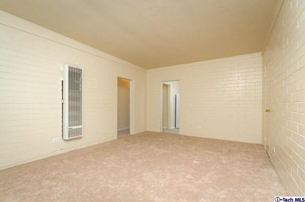 10330 Oro Vista Avenue, Sunland, CA - USA (photo 2)