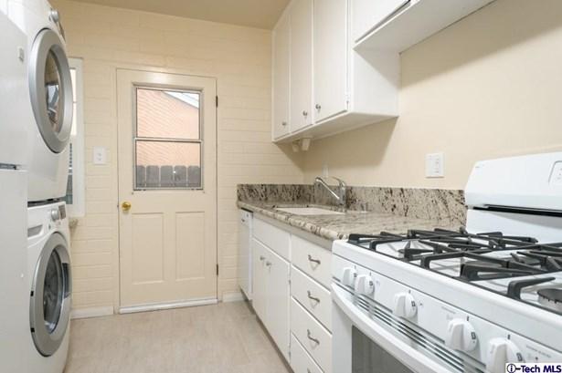 10330 Oro Vista Avenue, Sunland, CA - USA (photo 5)