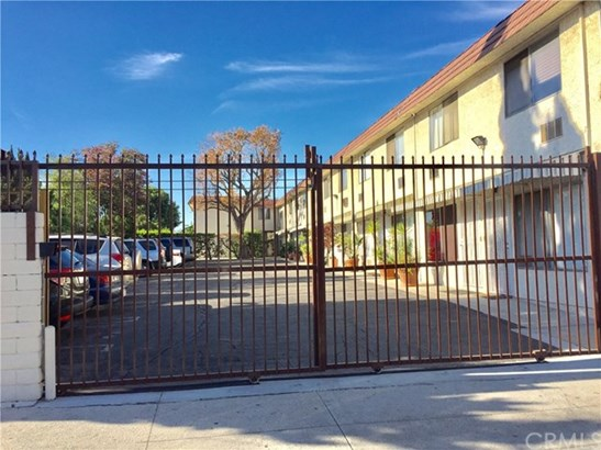 11035 Kittridge Street 149, North Hollywood, CA - USA (photo 2)