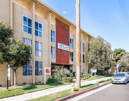 6225 Coldwater Canyon Avenue 210, North Hollywood, CA - USA (photo 2)