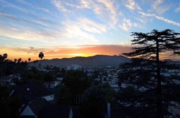 700 East Cypress Street, Glendale, CA - USA (photo 1)