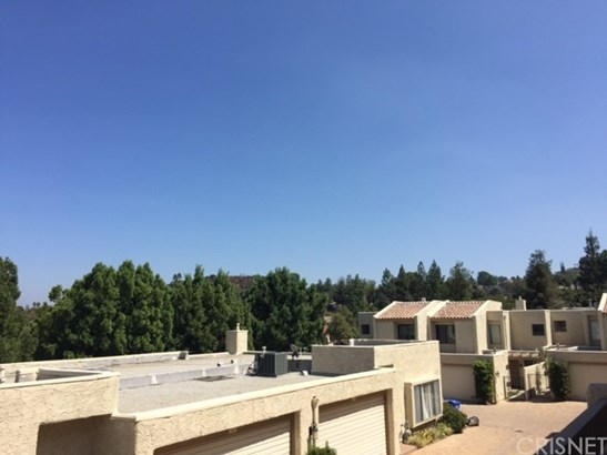 4227 Freedom Drive 305, Calabasas, CA - USA (photo 2)