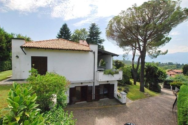 Laveno-mombello - ITA (photo 2)