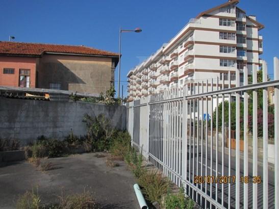 Vila Nova De Gaia - PRT (photo 3)