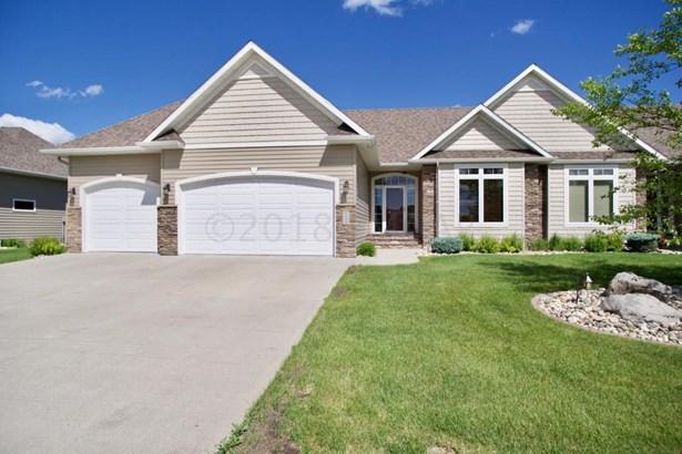 5844 27 Street S, Fargo, ND - USA (photo 1)
