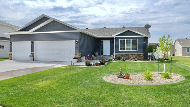 4924 34 Avenue S, Fargo, ND - USA (photo 1)