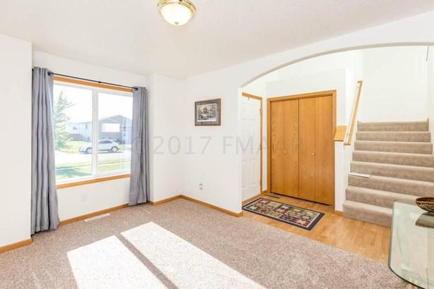 3434 8 Street W, West Fargo, ND - USA (photo 3)