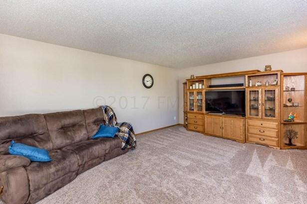 3434 8 Street W, West Fargo, ND - USA (photo 4)