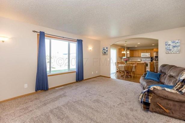 3434 8 Street W, West Fargo, ND - USA (photo 5)