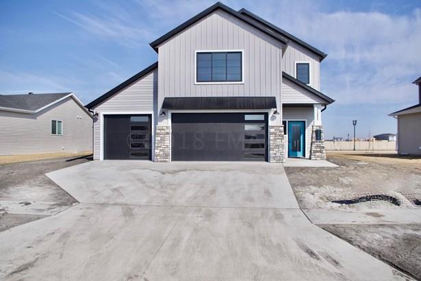 5338 8 Th Street W, West Fargo, ND - USA (photo 2)