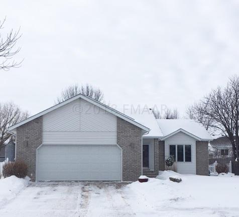 2415 32 Street S, Fargo, ND - USA (photo 1)