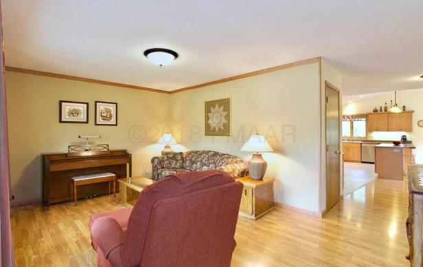 414 Southwood Drive, Horace, ND - USA (photo 5)