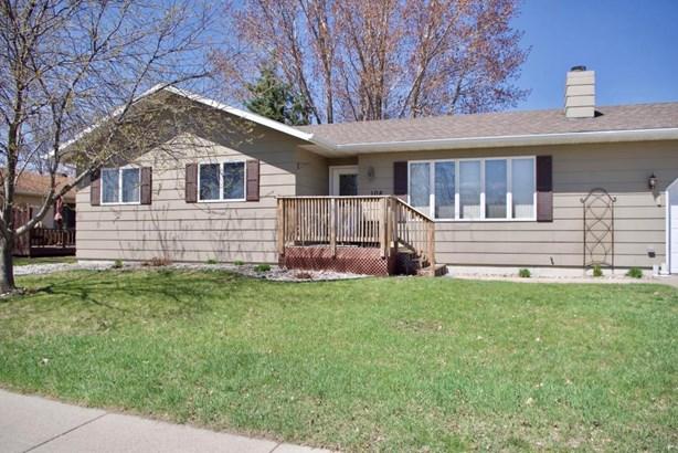 108 40 Th Avenue S, Moorhead, MN - USA (photo 2)