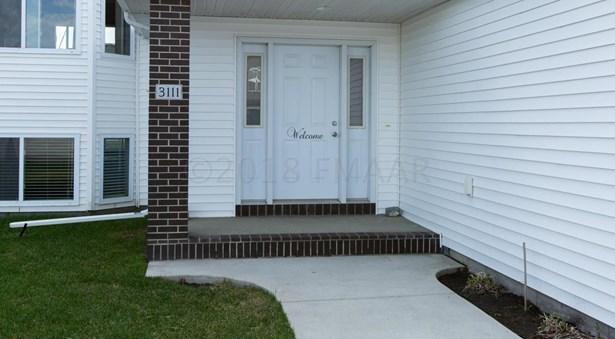 3111 Foxtail Drive E, West Fargo, ND - USA (photo 2)