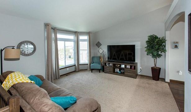 3111 Foxtail Drive E, West Fargo, ND - USA (photo 5)