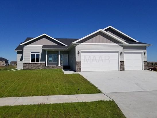 1006 51 Avenue W, West Fargo, ND - USA (photo 1)