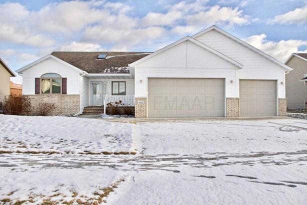 4006 10 Th Street S, Moorhead, MN - USA (photo 1)