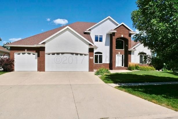 1751 Charleswood Estates Drive, West Fargo, ND - USA (photo 2)