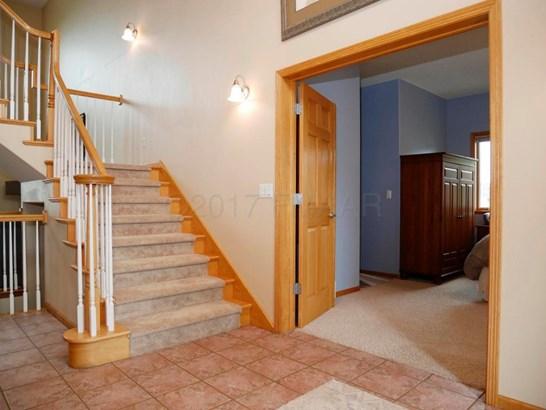 1751 Charleswood Estates Drive, West Fargo, ND - USA (photo 5)