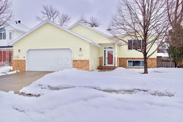 3137 9 1/2 Street N, Fargo, ND - USA (photo 1)