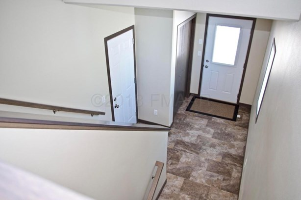 3018 33 Rd Avenue S, Moorhead, MN - USA (photo 2)