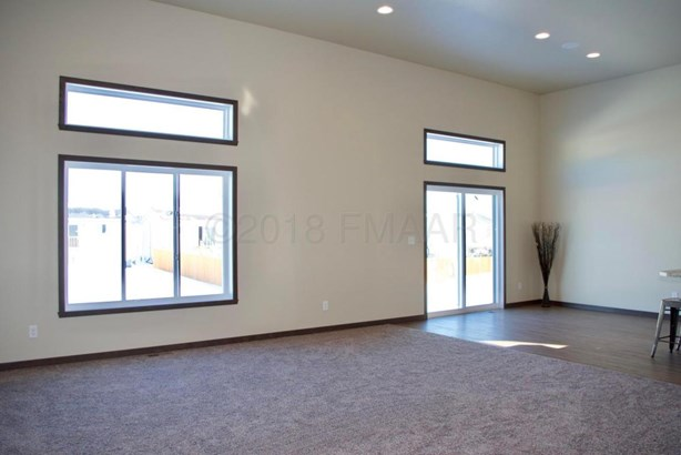 3018 33 Rd Avenue S, Moorhead, MN - USA (photo 5)