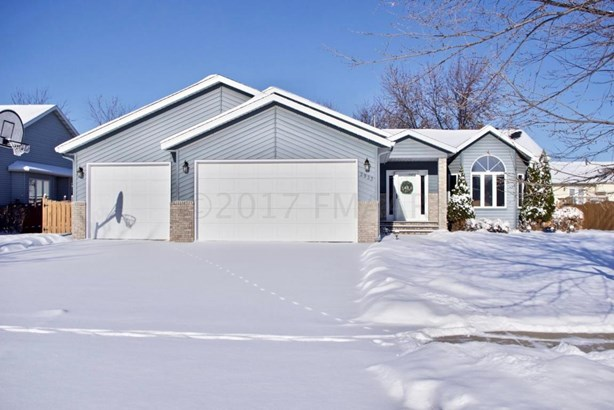 2933 37 Th Avenue S, Fargo, ND - USA (photo 1)