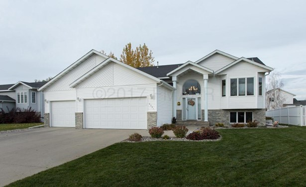 3331 45 Th Avenue S, Fargo, ND - USA (photo 1)