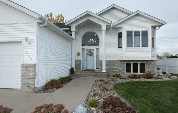 3331 45 Th Avenue S, Fargo, ND - USA (photo 2)