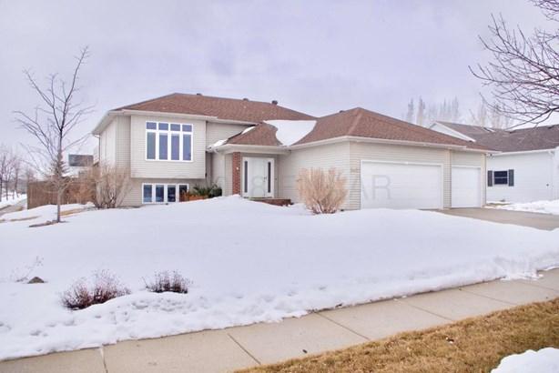 3402 43 Rd Avenue S, Fargo, ND - USA (photo 1)