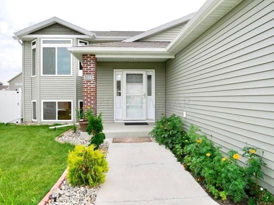 3113 6 Street E, West Fargo, ND - USA (photo 2)