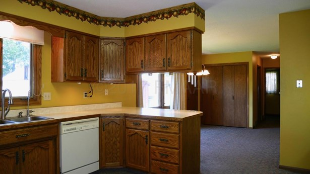 342 13 Avenue N, Casselton, ND - USA (photo 5)